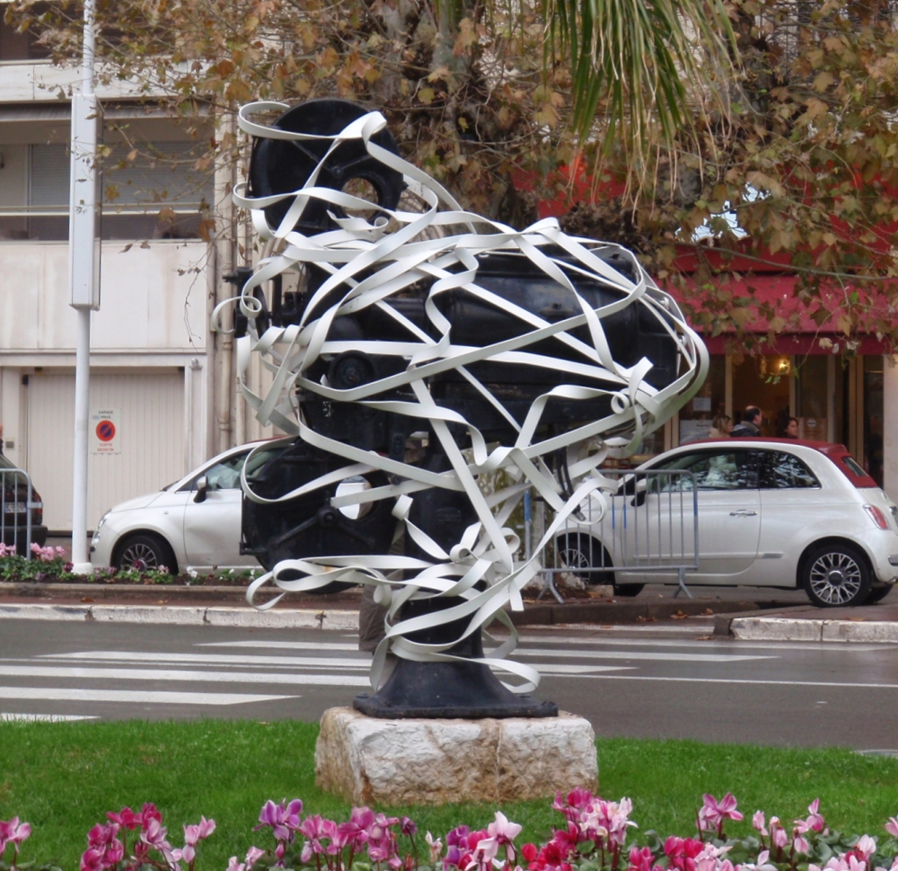 Roadside Sculpture around the Palais de Festivals