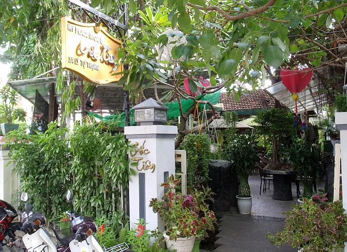 Courtyard cafe in Nha Trang