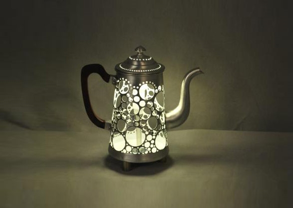 Table lamp from old coffee pot.