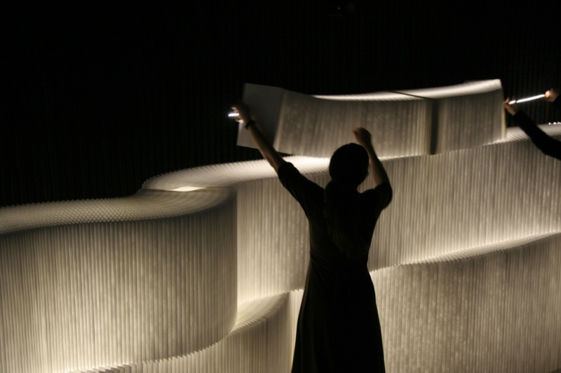Portable walls with integral lighting