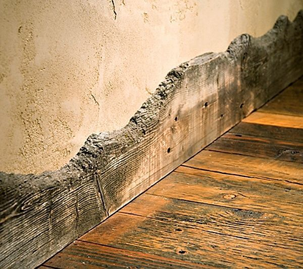 Baseboard from reclaimed fencing