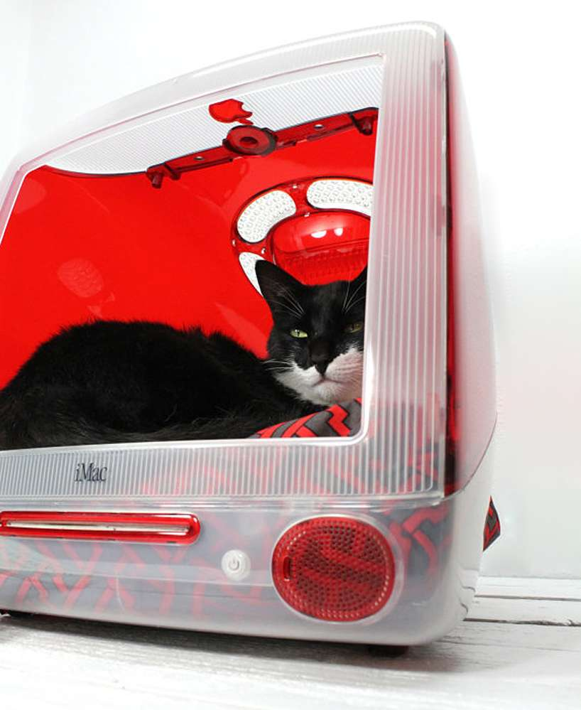 Old iMac G3 repurposed into a cat bed
