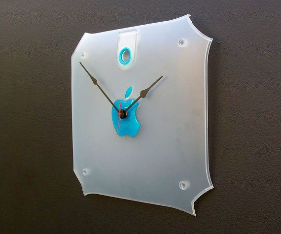 iMac G3 side cover is recycled into a wall clock.