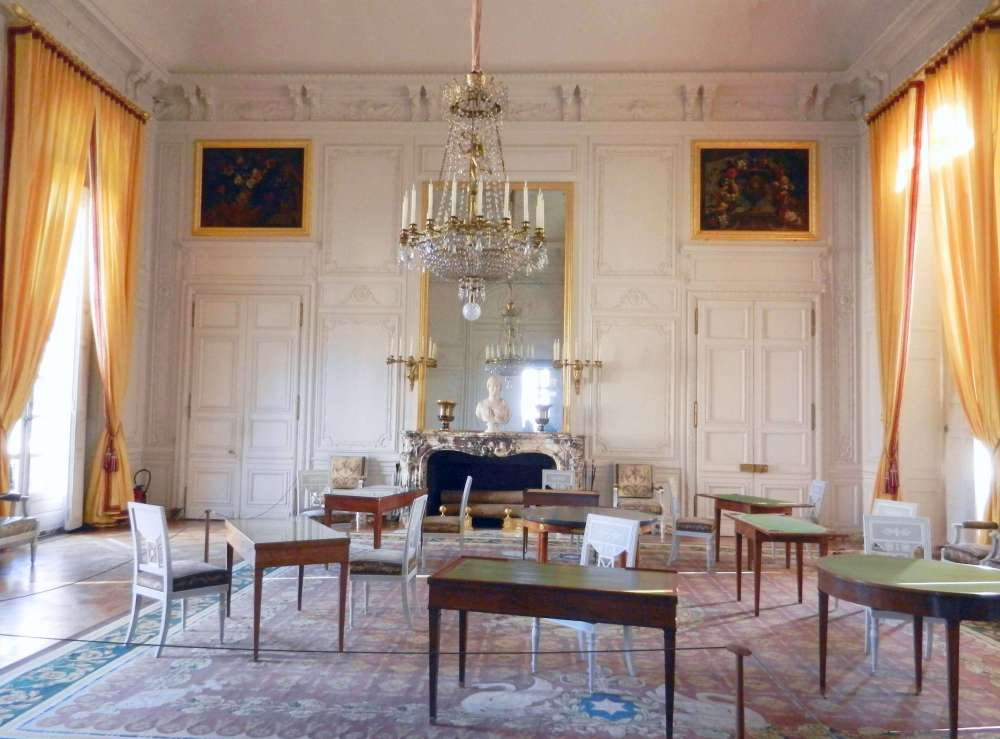 Emperor's family room.