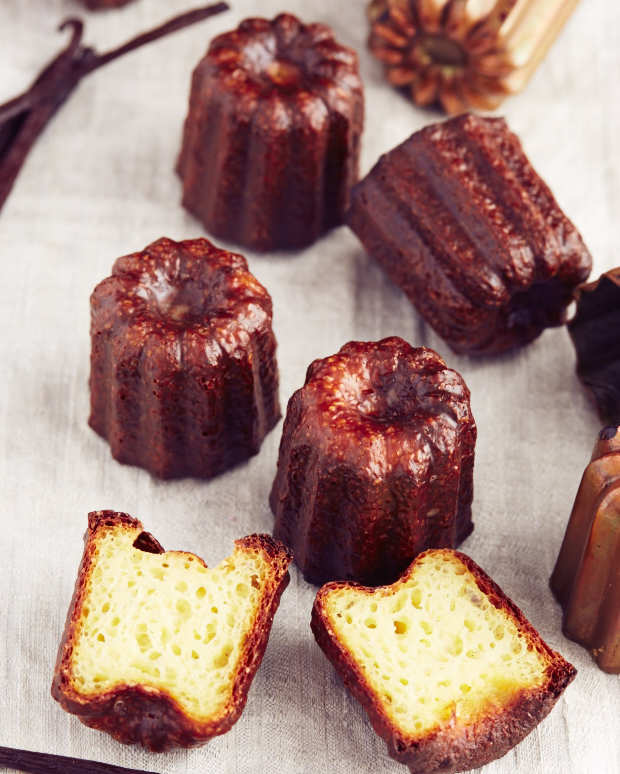 Canelés de Bordeaux, a pastry unique to the city.