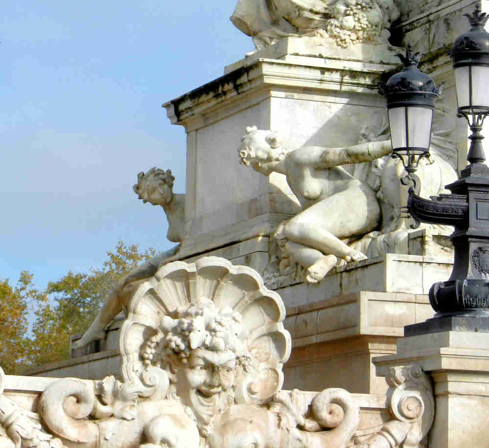 Close up of the monument's sculptures showing 2 maidens representing the 2 rivers of Bordeaux.