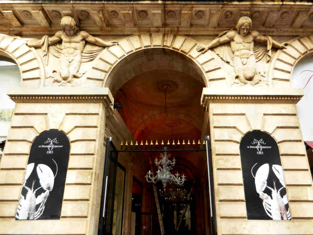Entry to Le Pressoir d'Argent in the 18th Century Grand Hotel de Bordeaux.