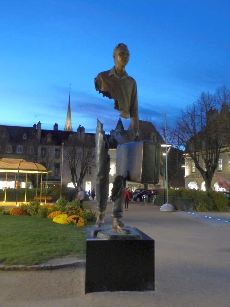 Sculpture in Carnot Square