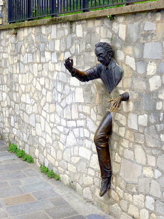 A sculpture that immortalized the short story Le Passe-Muraille (Walker-Through-Walls) by Marcel Aymé