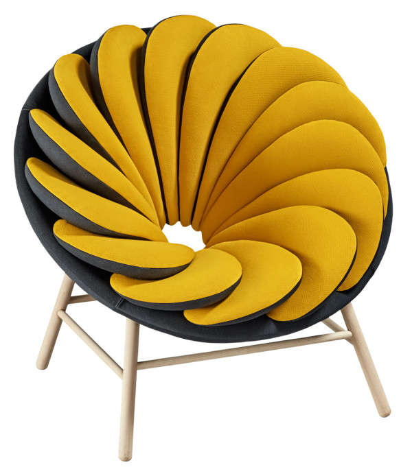 An chair with reversible seat cushions