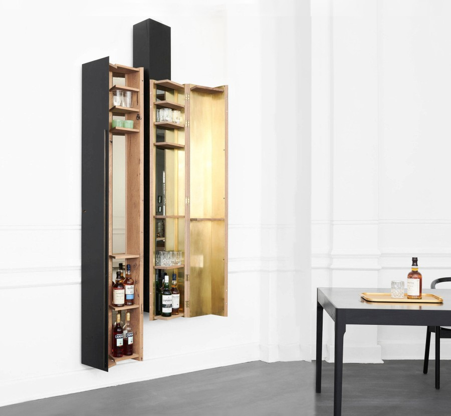 Simple but elegant interior layout of drinks cabinet
