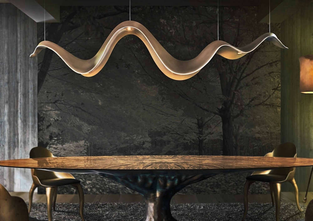 Hanging light fixture in a sinuous wave