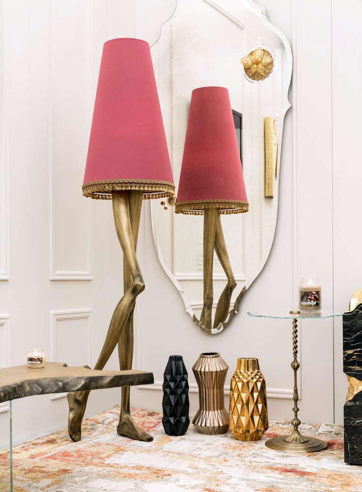 Floor lamp inspired by Marilyn Monroe's legs and skirt